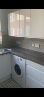3 bedroom flat to rent - Fairfield Court  M14