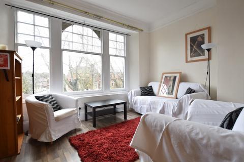2 bedroom flat to rent - Little Heath, Charlton, SE7