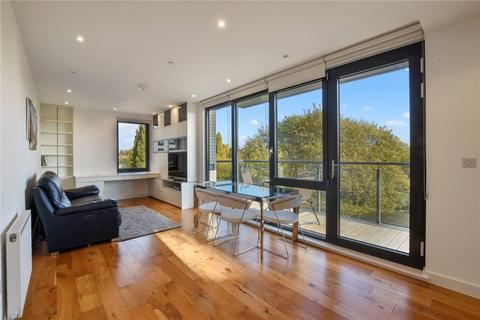 2 bedroom apartment to rent - Regalia Point, Palmers Road, E2