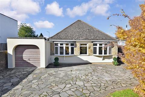 3 bedroom detached bungalow for sale - Maidstone Road, Wigmore, Gillingham, Kent