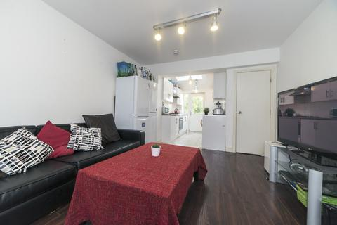 7 bedroom terraced house to rent - Finchley Road M14