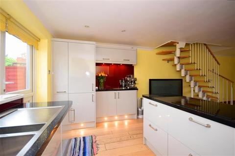 2 bedroom terraced house for sale - Old Oaks, Waltham Abbey, Essex
