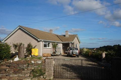 3 bedroom detached bungalow to rent - Trehummer Drive, Egloskerry, PL15