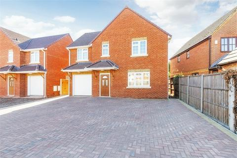 4 bedroom detached house for sale - Clyde Close, Slough, Berkshire