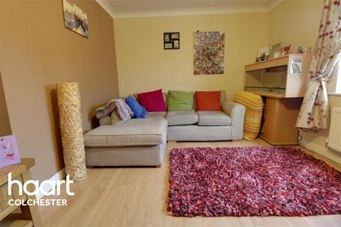 2 bedroom flat to rent - East Colchester