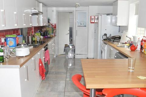 6 bedroom terraced house to rent - Teignmouth Road Selly Oak