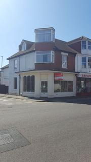 Shop to rent - Christchurch Road, Bournemouth