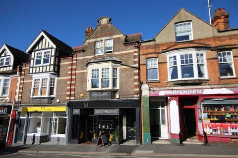 Studio to rent - Station Road, Harpenden