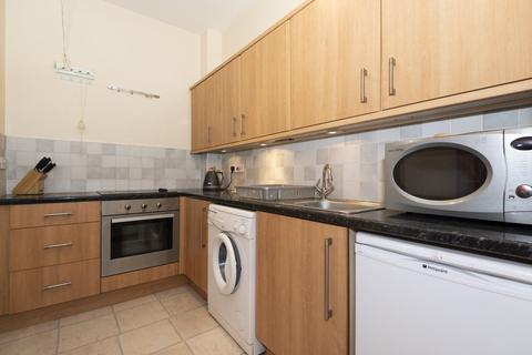 1 bedroom flat to rent - 46 Charlotte Street Flat 17