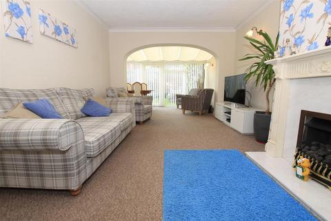 4 bedroom detached bungalow for sale - Stivichall - 2 dwellings joined together.
