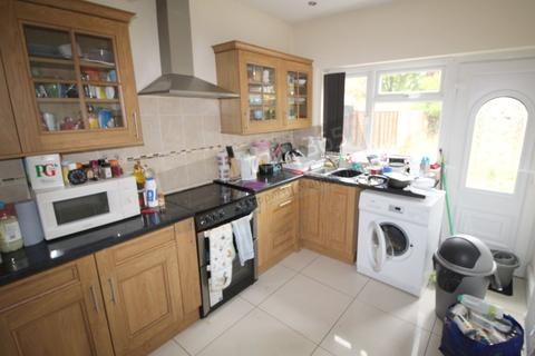 5 bedroom semi-detached house to rent - **£80pppw* Abbey Road, Beeston , Nottingham