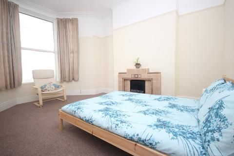 4 bedroom house share to rent - Sydney Street, Plymouth