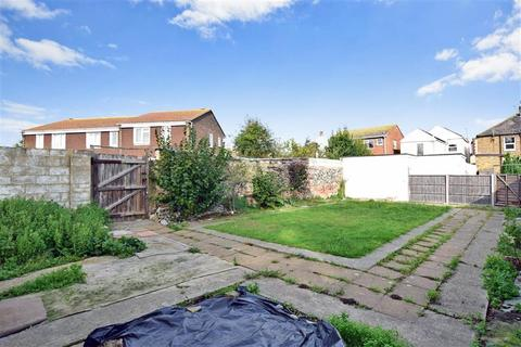 2 Bedroom End Of Terrace House For Sale Century Walk Deal Kent