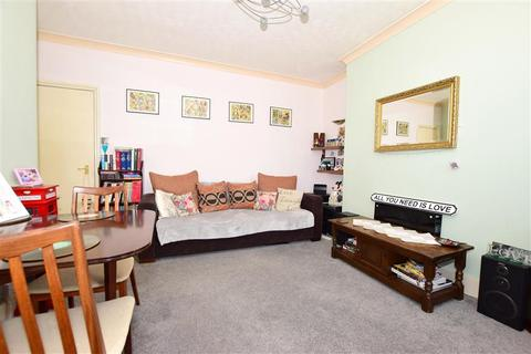 2 bedroom flat for sale - Adrian Square, Westgate-On-Sea, Kent