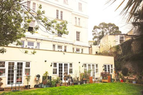 Studio to rent - Scarborough Road Torquay
