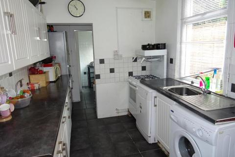 5 bedroom house to rent - Harold Road