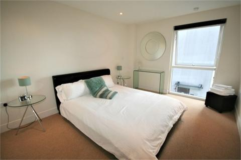 2 bedroom flat to rent - Meridian Bay, Trawler Road, Swansea
