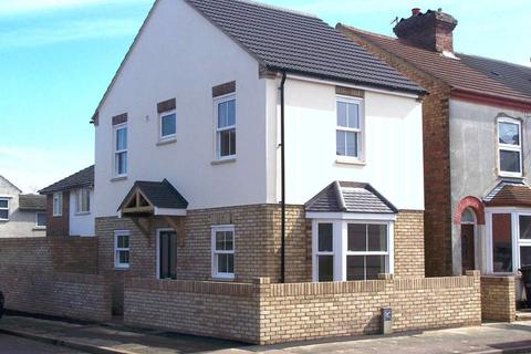 2 bedroom detached house to rent - Cater Street, Kempston