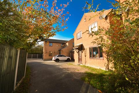 4 bedroom detached house for sale - Lundwood Grove, Owlthorpe, Sheffield, S20