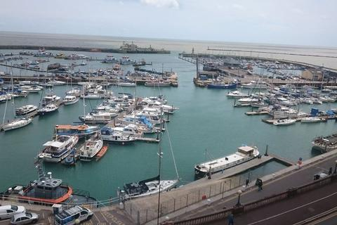 3 bedroom penthouse to rent - Cliff Street, Ramsgate