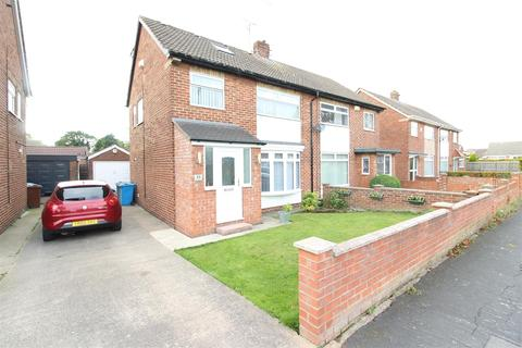 4 bedroom semi-detached house for sale - Compass Road, Hull