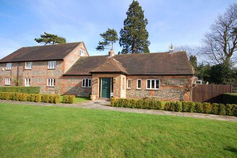 3 bedroom country house for sale - High Road, Reigate