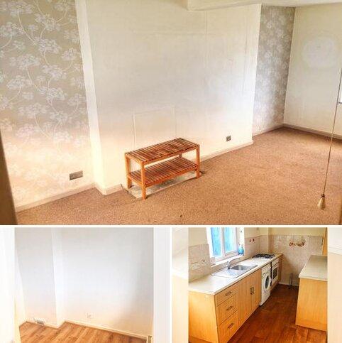 3 bedroom semi-detached house to rent - Blake Avenue, Barking, IG11