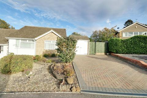 2 bedroom bungalow for sale - Leigh Grove, Banbury