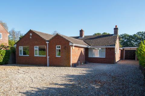 3 bedroom detached bungalow for sale - Little Lane Upper Bucklebury