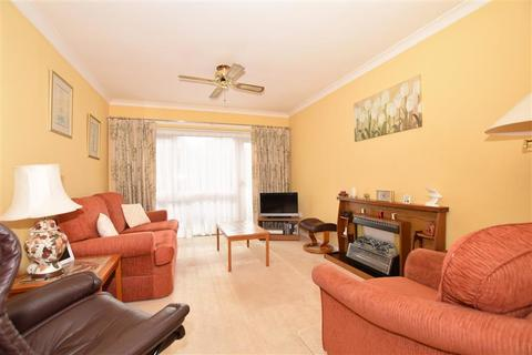 2 bedroom flat for sale - Lower Queens Road, Ashford, Kent