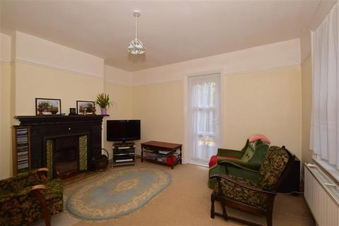 4 bedroom bungalow for sale - Fairlawn Road, Banstead, Surrey
