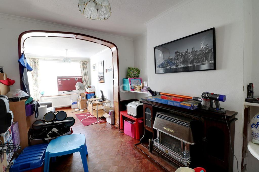 3 Bedrooms Semi Detached House for sale in Houghton Road, LU5