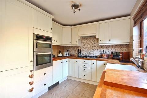 3 bedroom terraced house to rent - Church Street, Staines, Middlesex, TW18