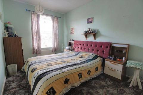 3 bedroom terraced house for sale - Lusher Rise, NR6