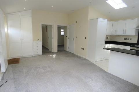 2 bedroom detached house to rent - MARLOW - Central Location
