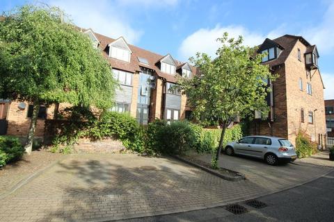 2 bedroom flat to rent - Copyground Lane, High Wycombe, HP12