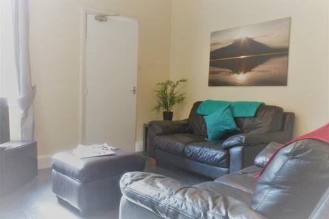 4 bedroom house to rent - Chapel Street, Derby,