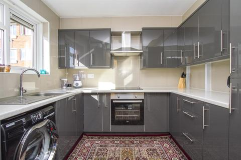 1 bedroom flat for sale - Southwater Close
