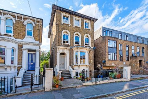 2 bedroom apartment to rent - Brookfield Road, Hackney