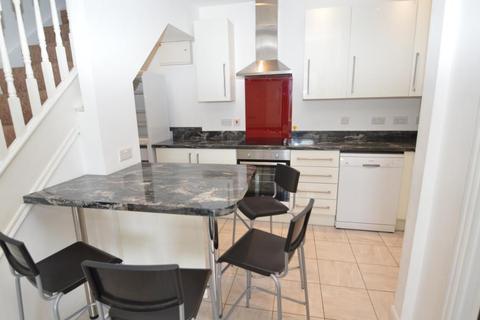 4 bedroom house to rent - Heeley Road