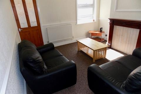3 bedroom terraced house to rent - Bulwer Road, Leicester LE2 3BU