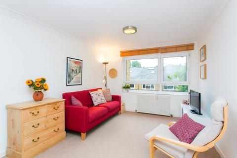 1 bedroom flat for sale - Nantes Close, Battersea, SW18
