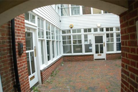 Property to rent - Sun Street, Waltham Abbey, Essex