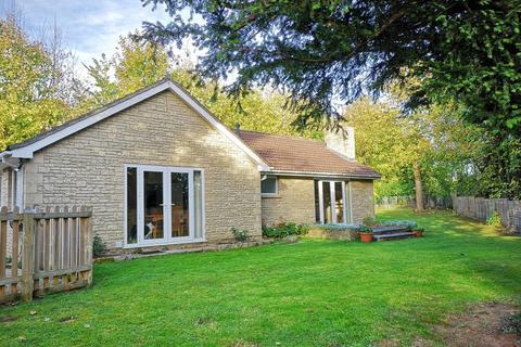 3 bedroom detached bungalow for sale - Bailbrook Lane, BA1