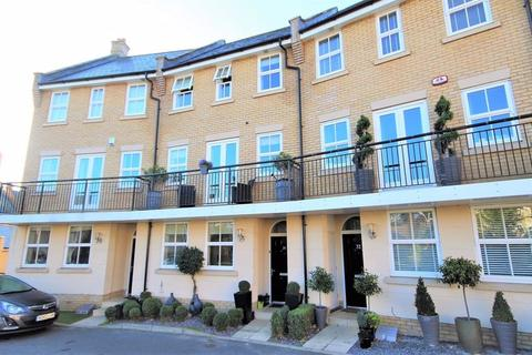 5 bedroom terraced house for sale - Greenland Gardens, Great Baddow, Chelmsford