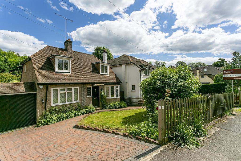 House outwood lane chipstead 102.jpg