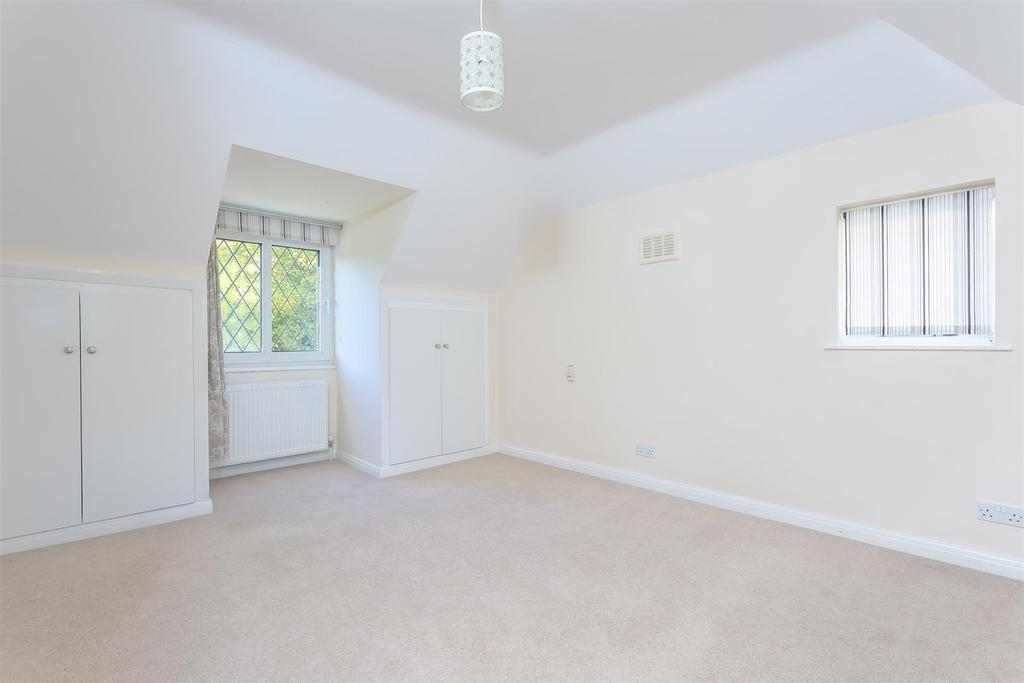 House outwood lane chipstead 117.jpg