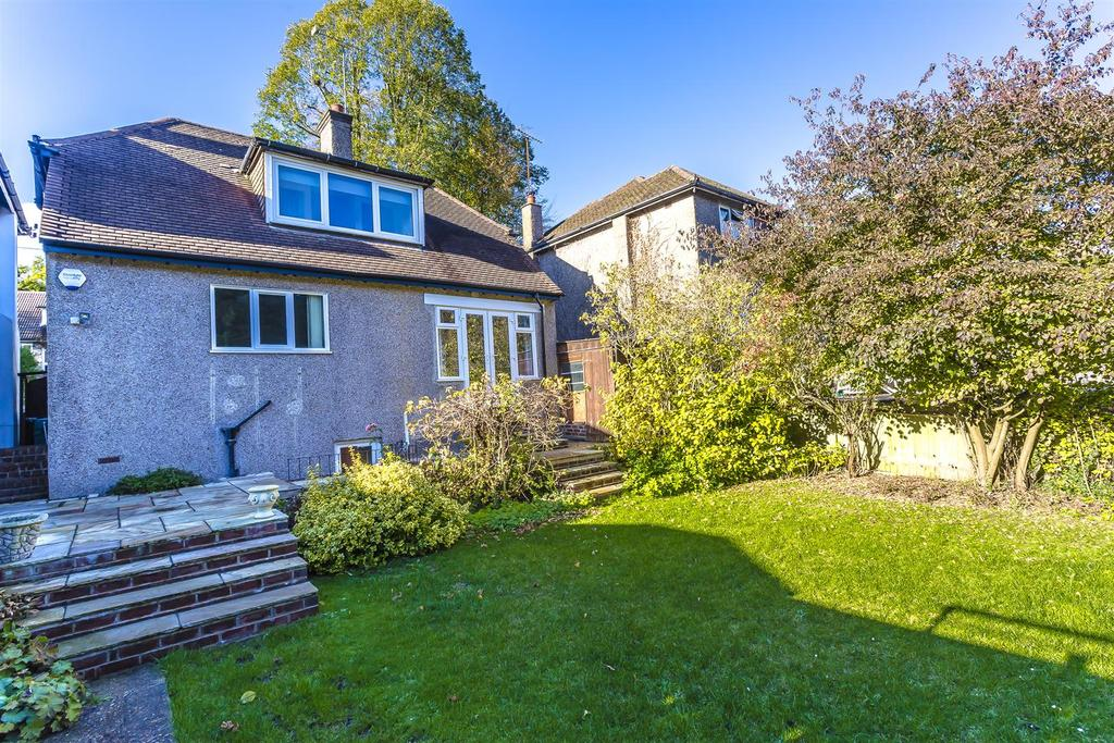 House outwood lane chipstead 104.jpg