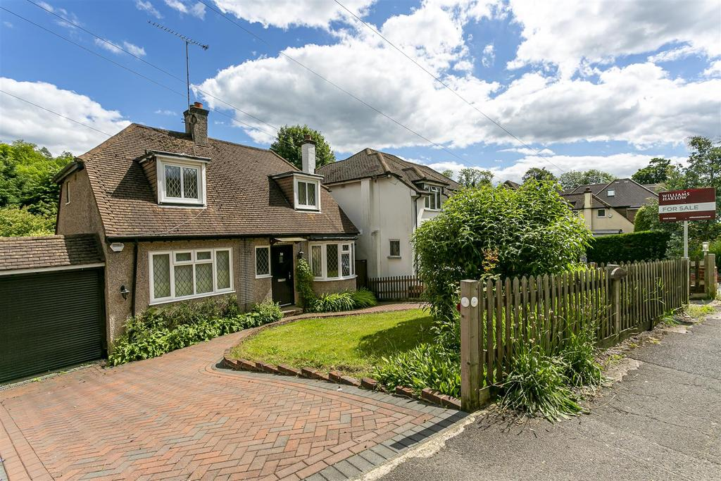 House outwood lane chipstead 103.jpg