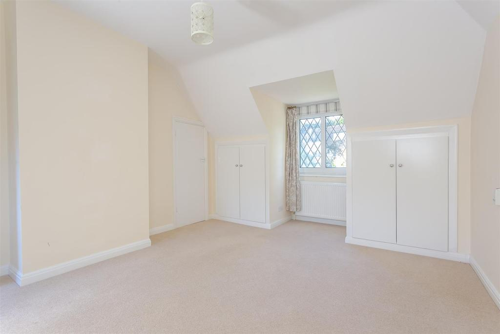 House outwood lane chipstead 118.jpg